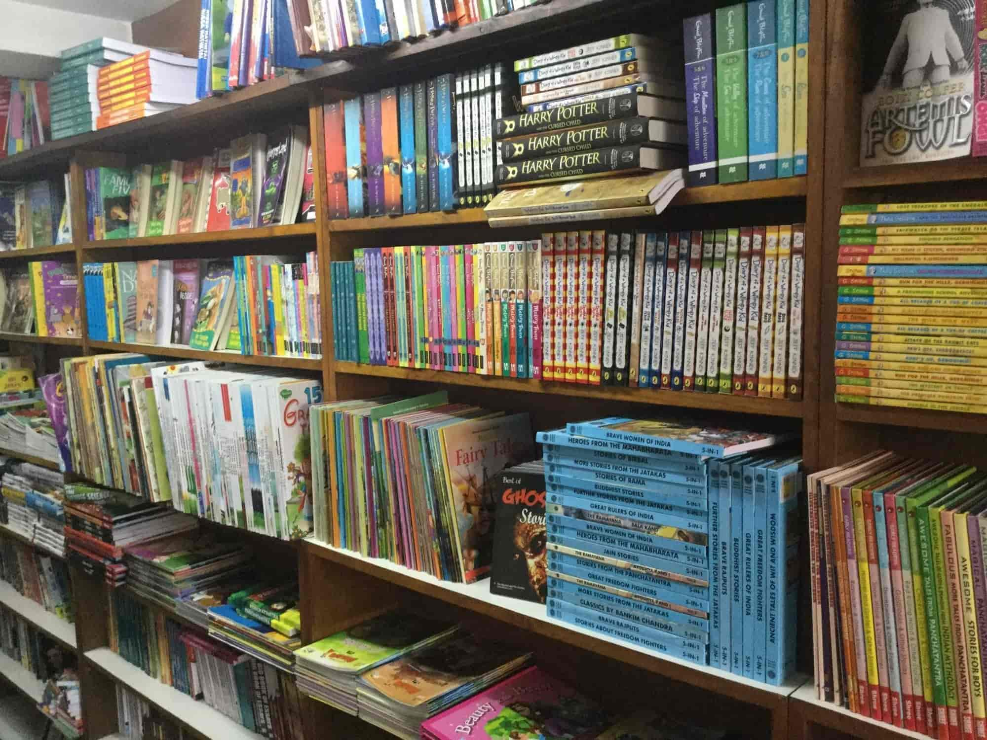 Navakarnataka Publications Pvt Ltd, Balmatta - Book Shops in