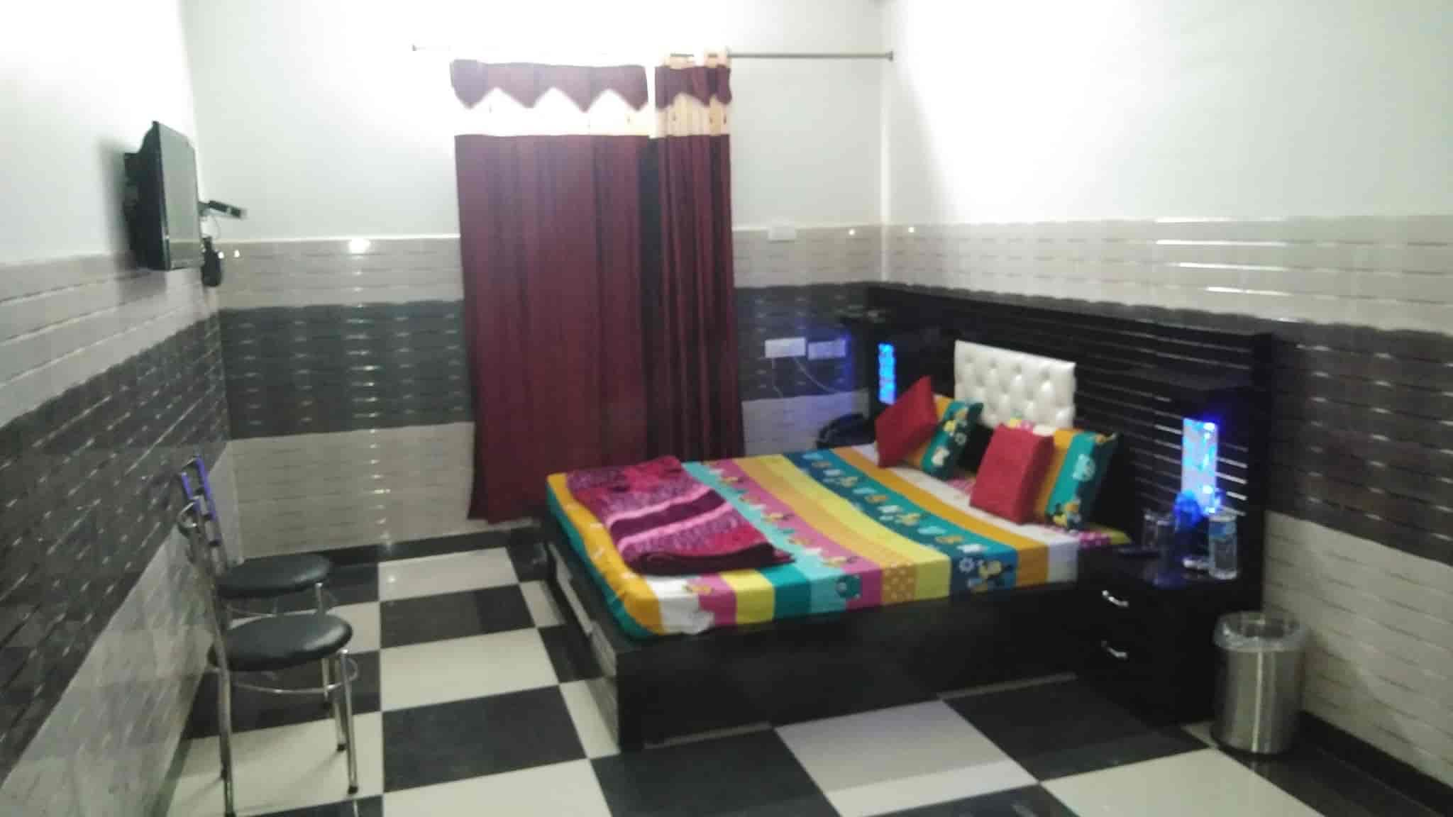 Tirupati Guest House, Delhi Road - Hotels (Rs 501 To Rs 1000
