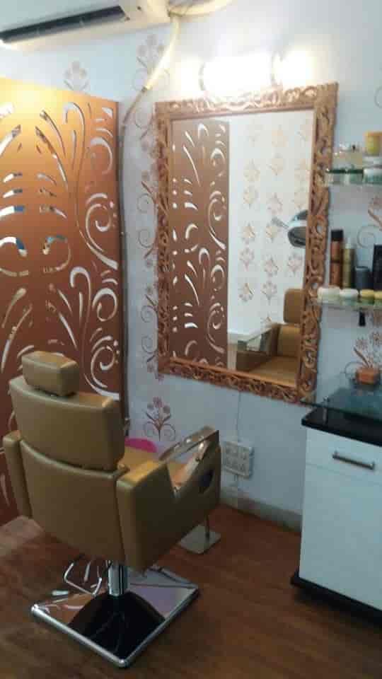 ... Interior View   Meenakshi Makeup Studio Photos, Delhi Road, Meerut    Beauty Parlours ...