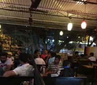 Modern bar dockyard
