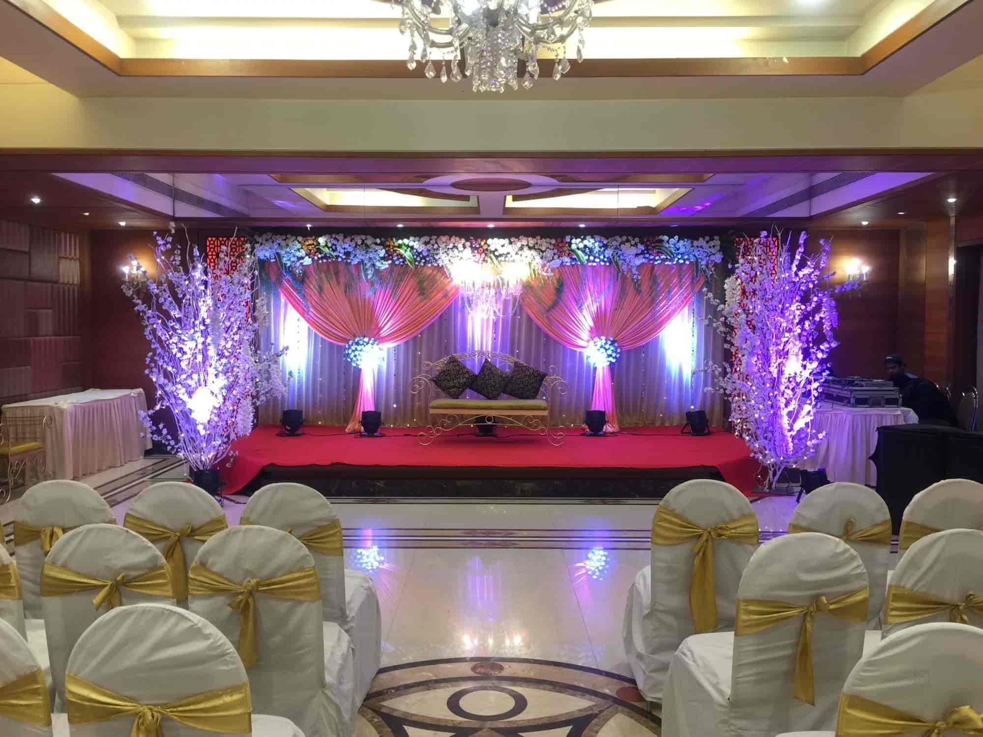 Fun time events wedding decorators sion lighting decorators in fun time events wedding decorators sion lighting decorators in mumbai justdial junglespirit Image collections