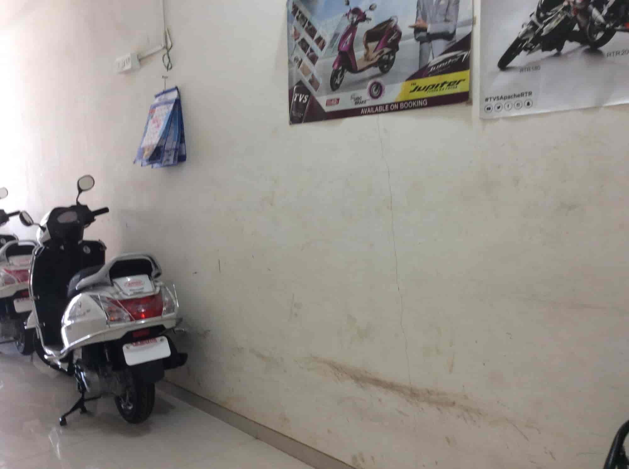 A K Motors Photos, Santacruz East, Mumbai- Pictures & Images Gallery