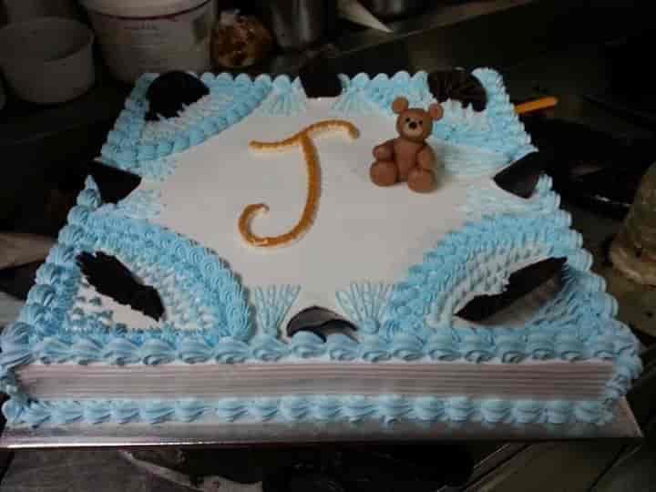 Happy Birthday Cakes & Coffee, Andheri West, Mumbai