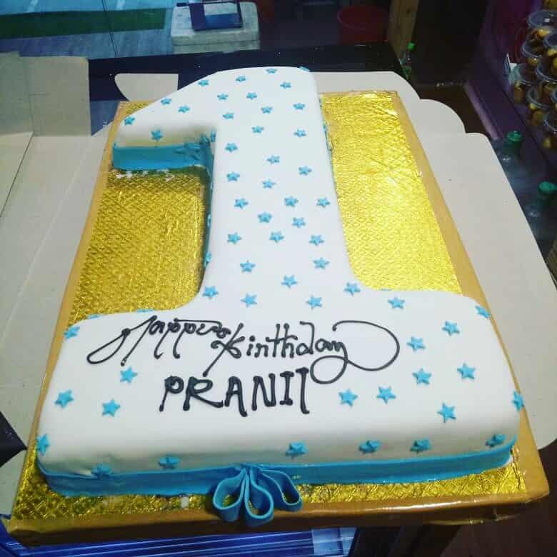 7 Layers Cake Shop Kandivali West