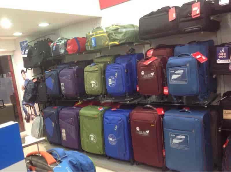 0cb2247ead Armouredvehicleslatinamerica : These Carlton Bags Showroom In Mumbai