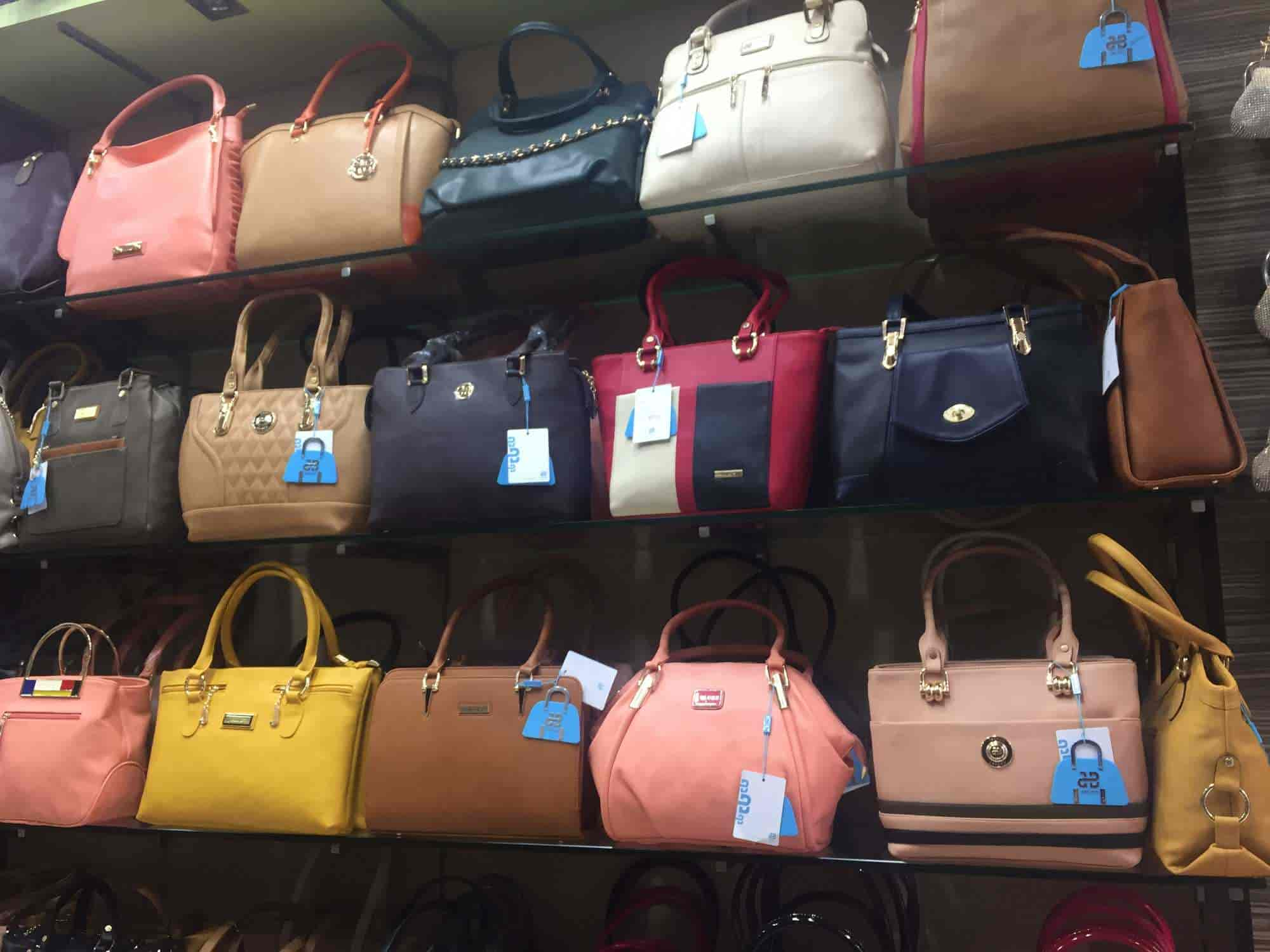 6e9e878e771d ... Ladies hand purse - J Blues Photos
