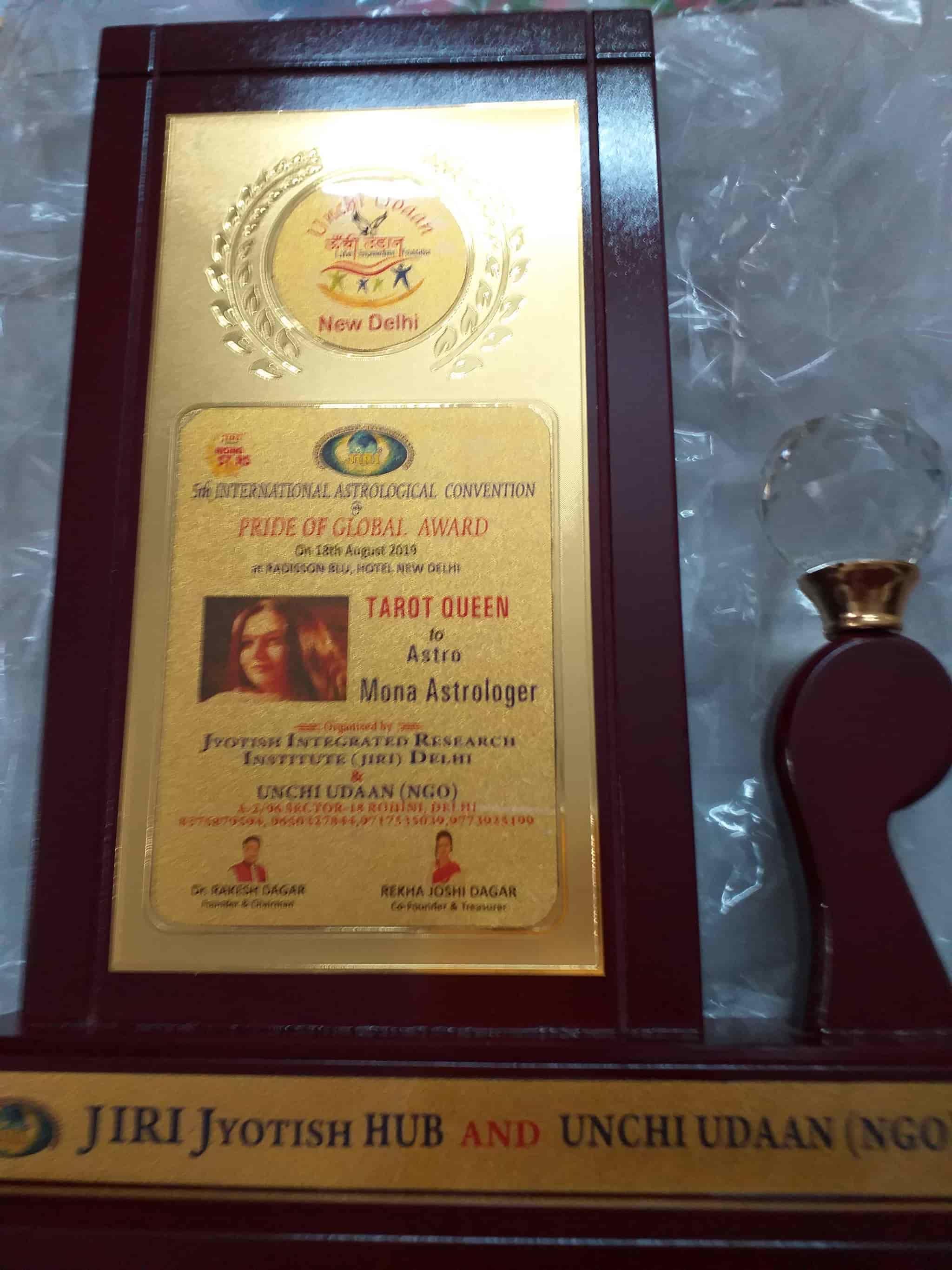 Mona Astrologer, Safdarjung Enclave - Tarot Reading Services