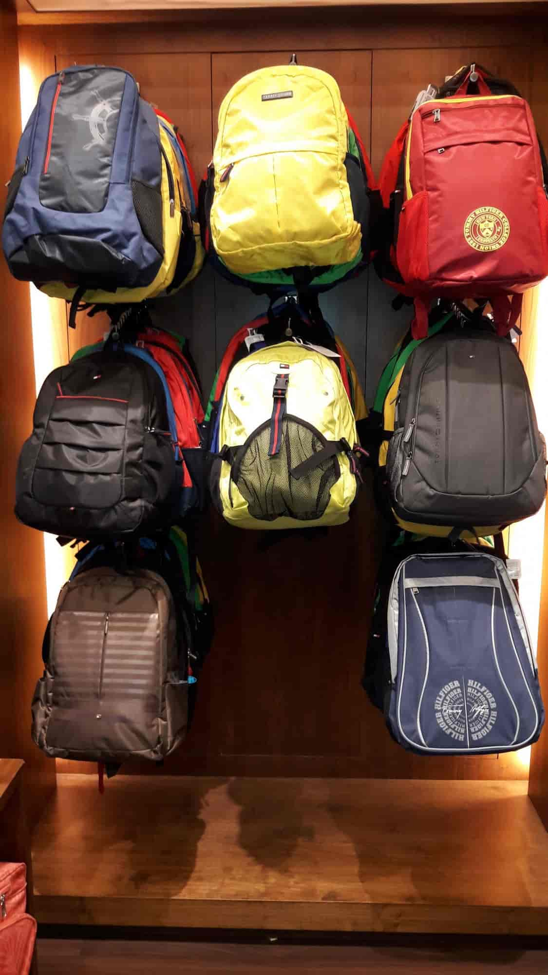... BACKPACKS - Tommy Hilfiger Travel Gare (R City Mall) Photos, Ghatkopar  West, 0a397f364a6b