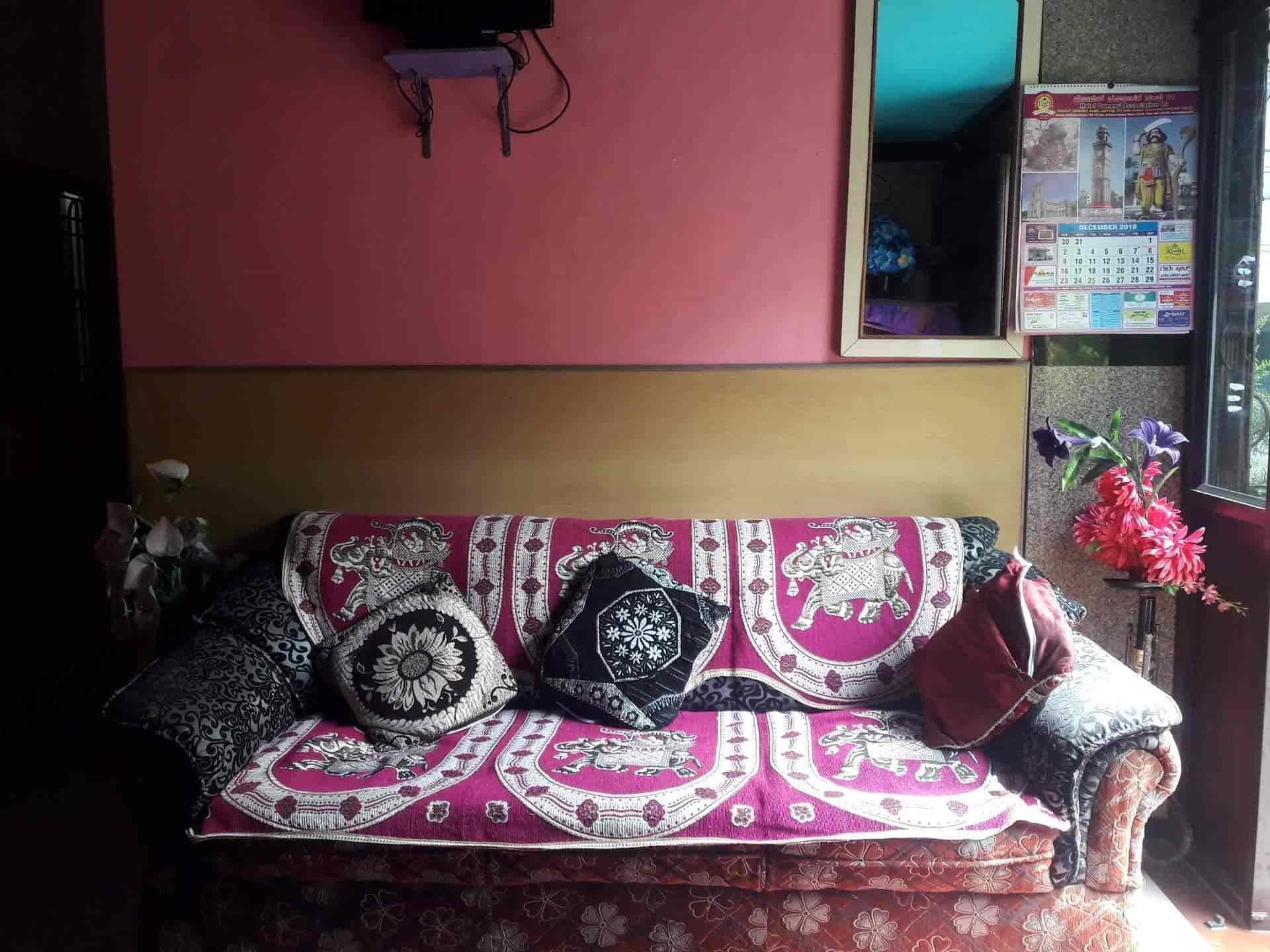 Friends Residency, Mandi Mohalla - Lodging Services in