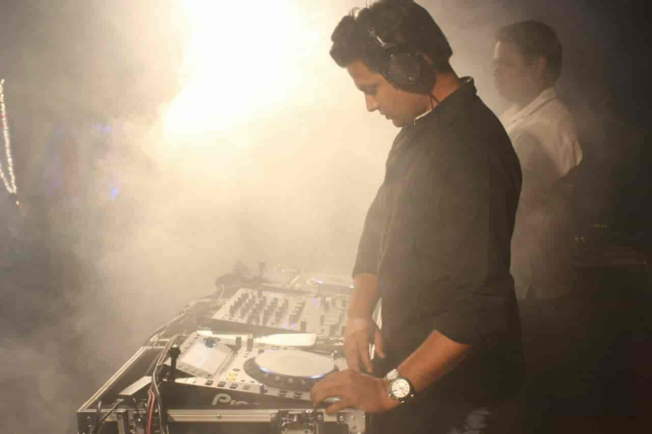 Dj Chaitanya Photos, Nashik Main Road, Nashik- Pictures