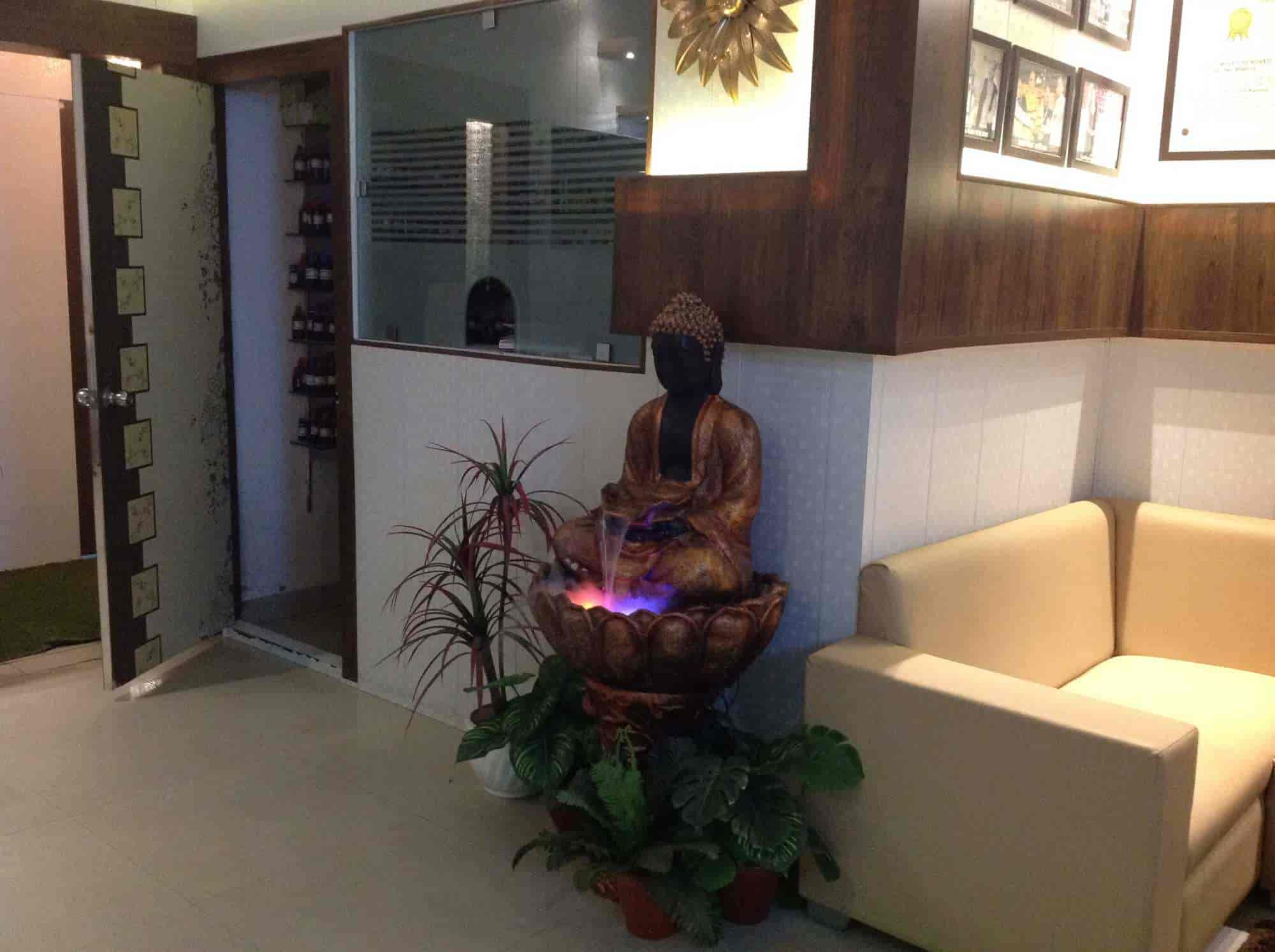 Dr  Lalit Kasana (dr  Kasanas Elegant Aesthetics) - Cosmetologist