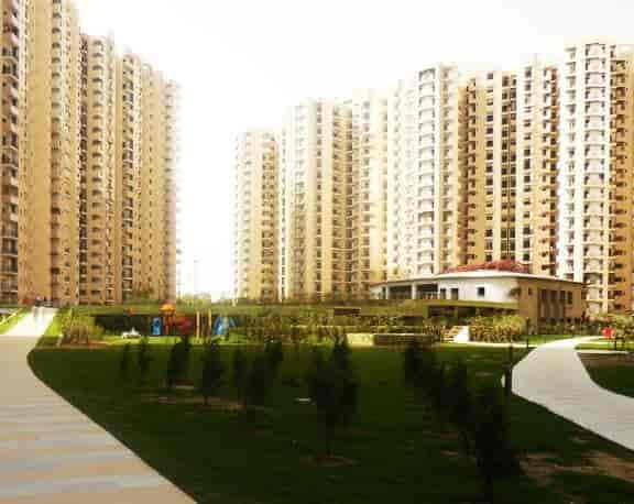 Paramount Group Of Companies (corporate Office), Noida