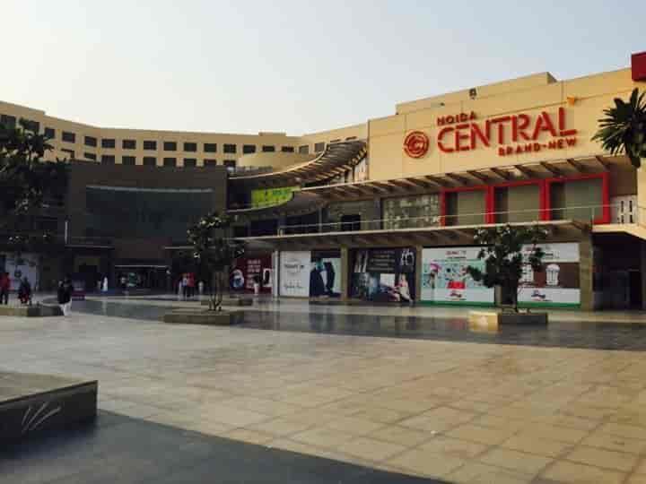 Gardens Galleria Mall 7