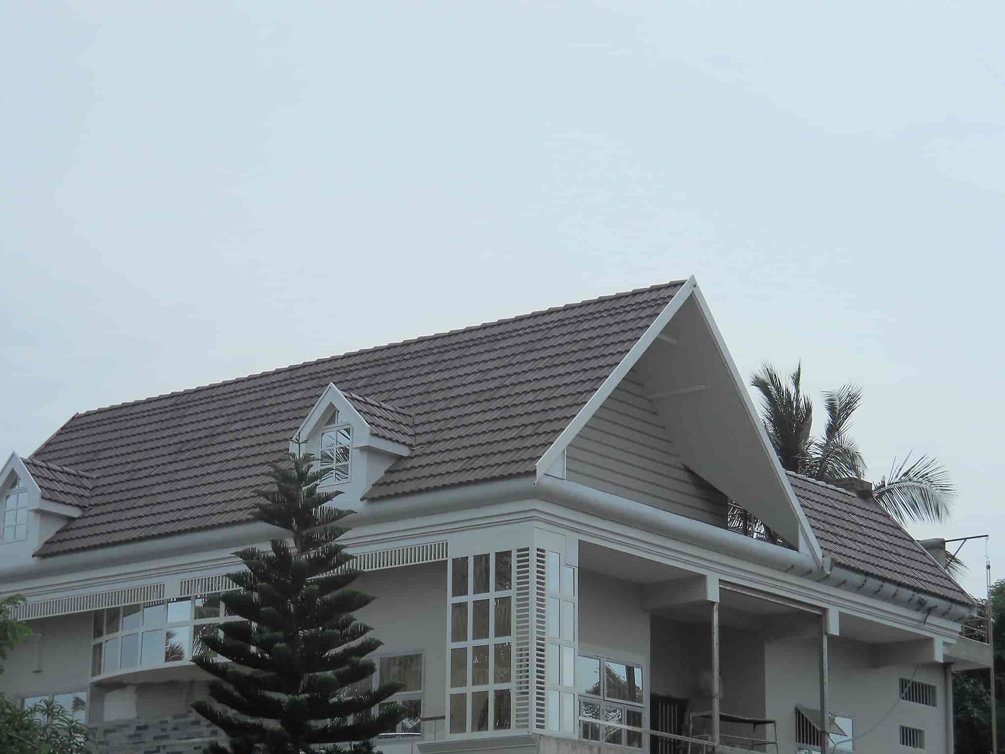 Roof Dark Grey Tiles Work Comtrust Super Designer Pvt Ltd Photos Olavakkot