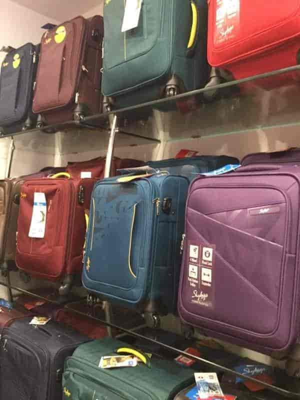 8100ebf350 VIP World, Anisabad - Luggage Bag Dealers in Patna - Justdial: