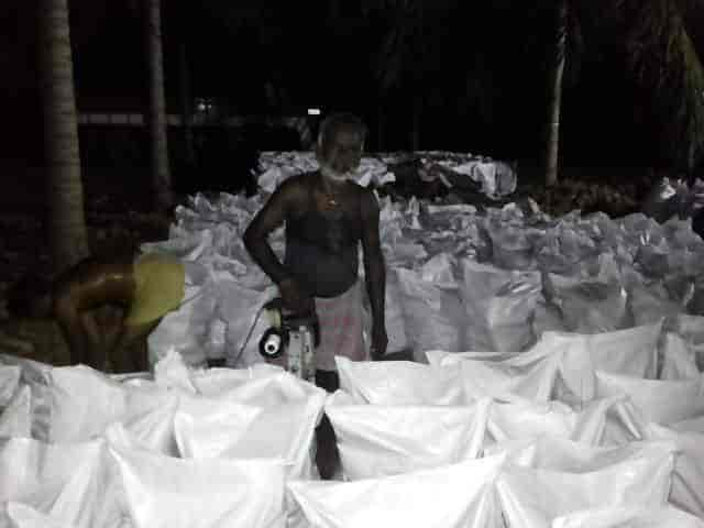 Susmi Traders, Angalakurichi - Coconut Exporters in Pollachi