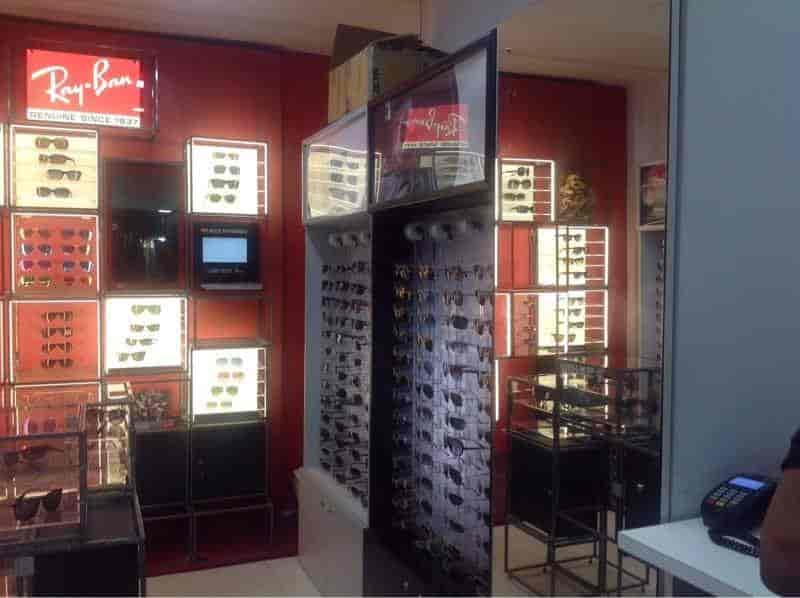 ccc37b22a3f Rayban Store