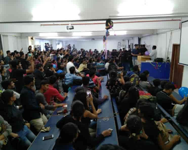 V 'smart Academy, Shukrawar Peth - Tutorials in Pune - Justdial