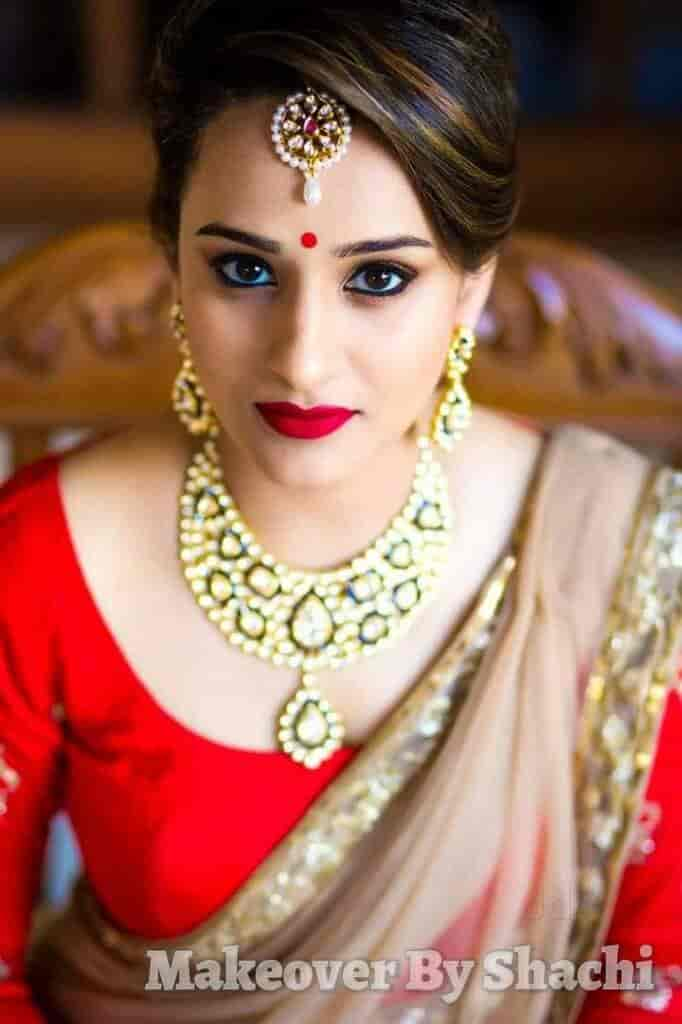 Professional Makeup Artist 11 01 11: Professional Makeup Artist In Pune