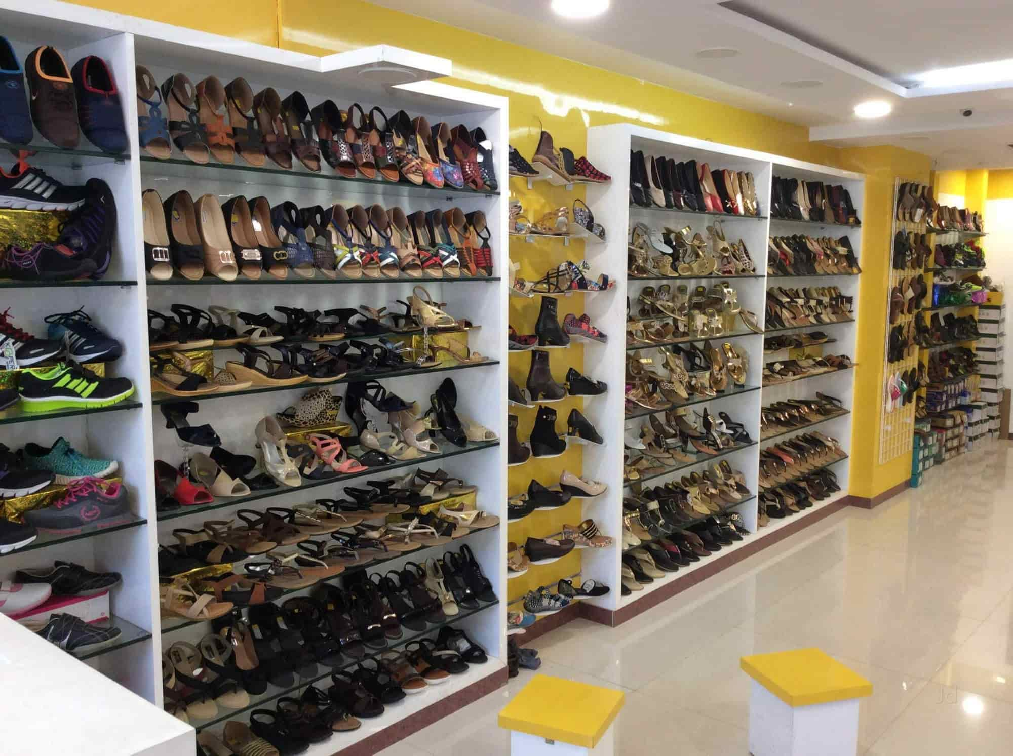 Mohak Footwear, Budhwar Peth - Mohak Footware - Shoe Dealers in Pune -  Justdial