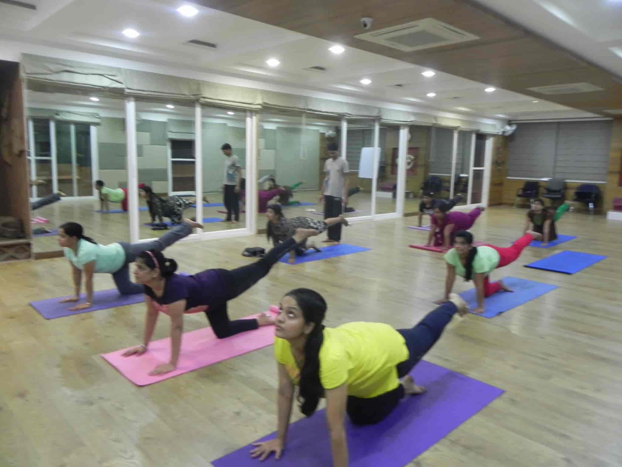 where is yoga classes in raipur