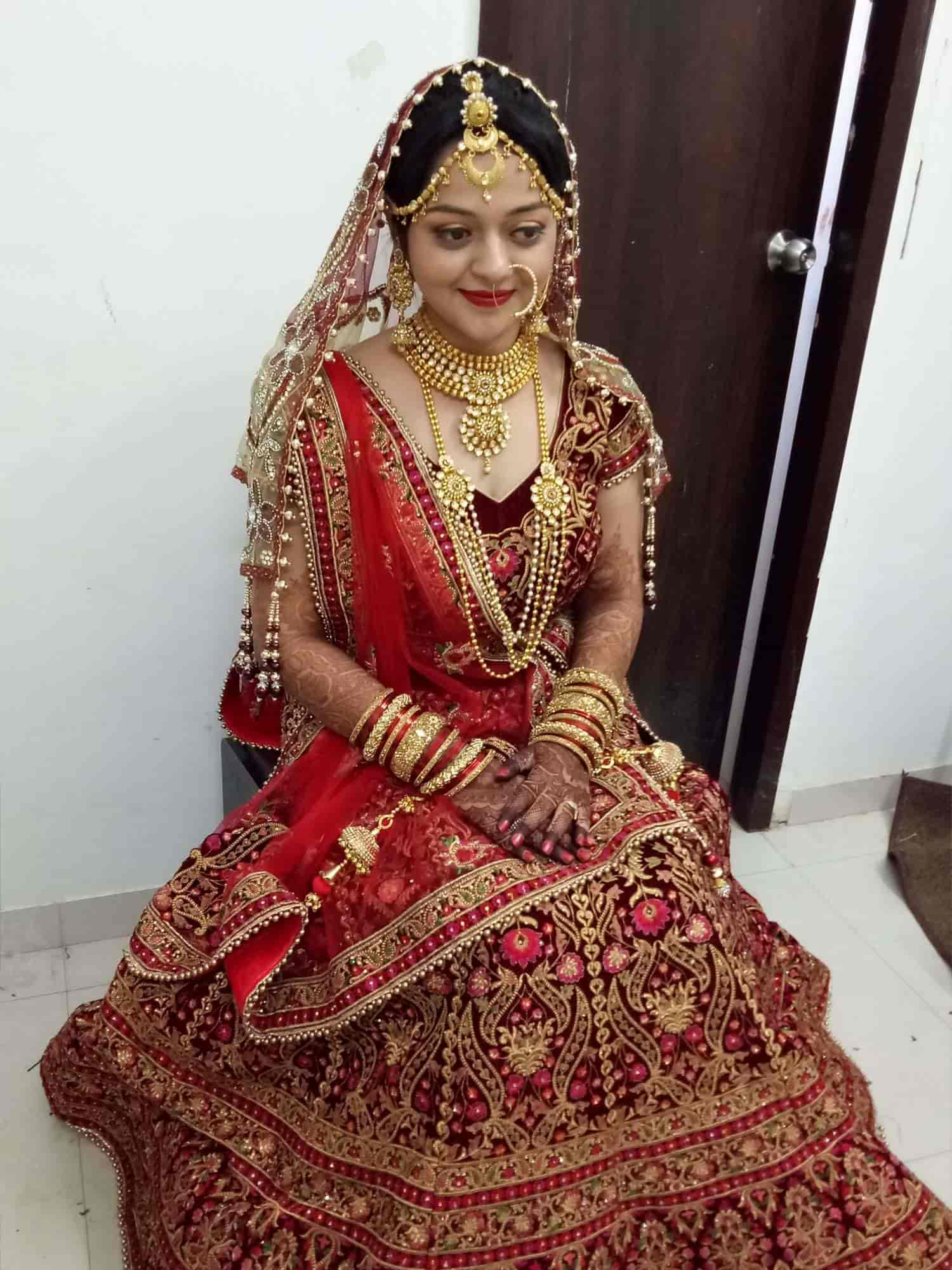 Beautiful Bride Photos Air Port Rajkot Pictures Images Gallery
