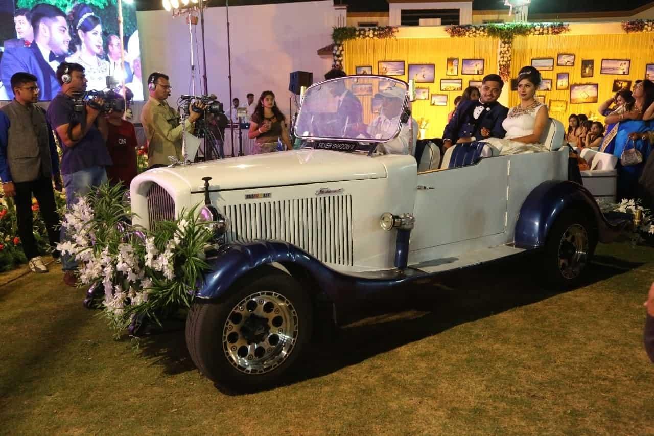 ROYAL Wedding CARS, OPP  SADAR POLICE STATION - Car Hire in Rajkot