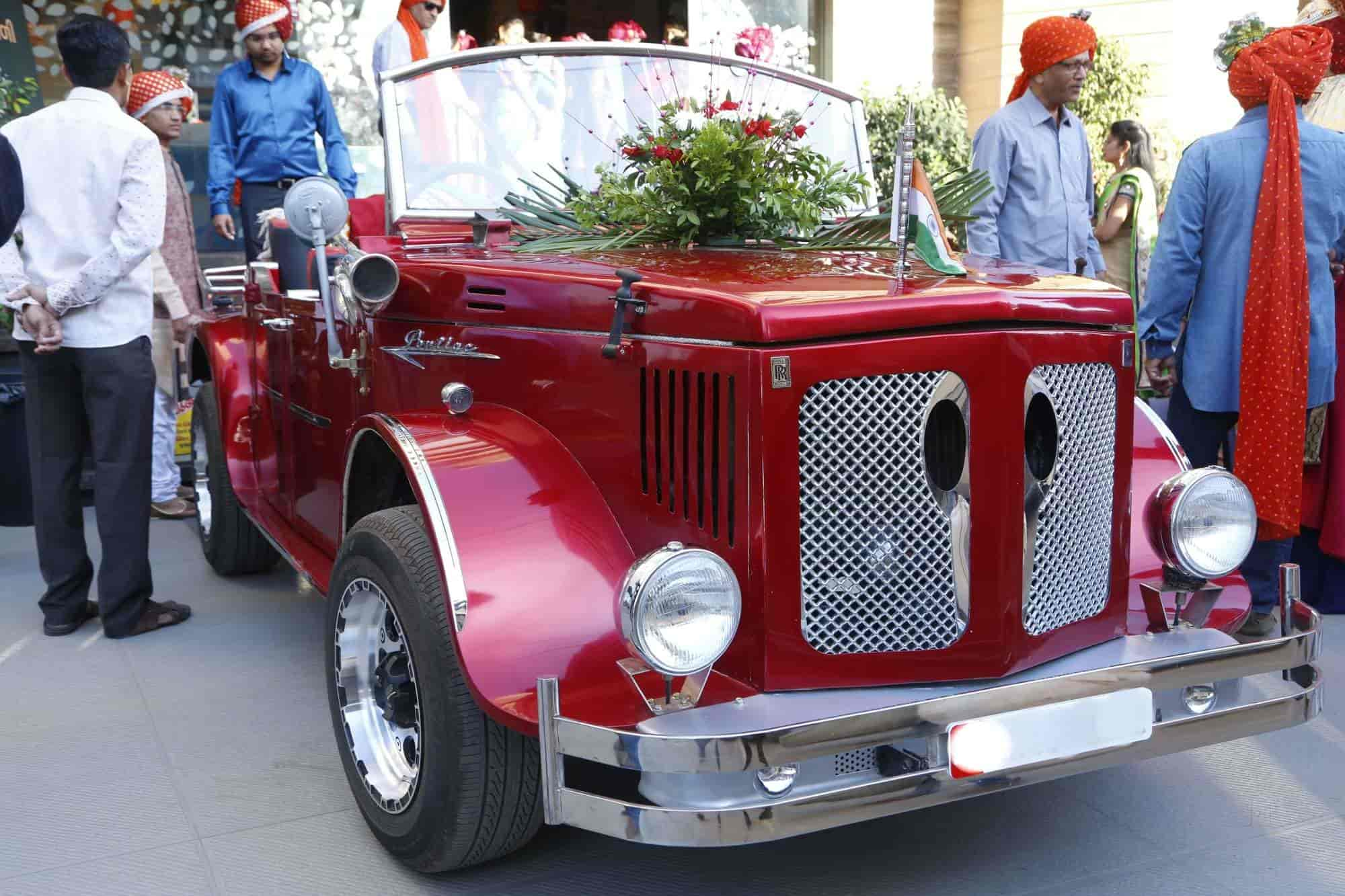 ROYAL Wedding CARS, OPP  SADAR POLICE STATION - Car Hire in Rajkot