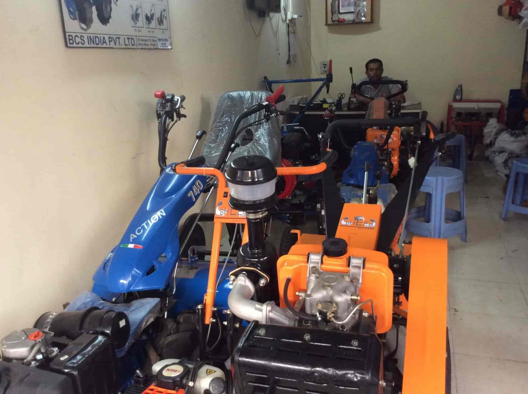 Shri Krushna Sales Corporation, Sangli Ho - Tractor Dealers