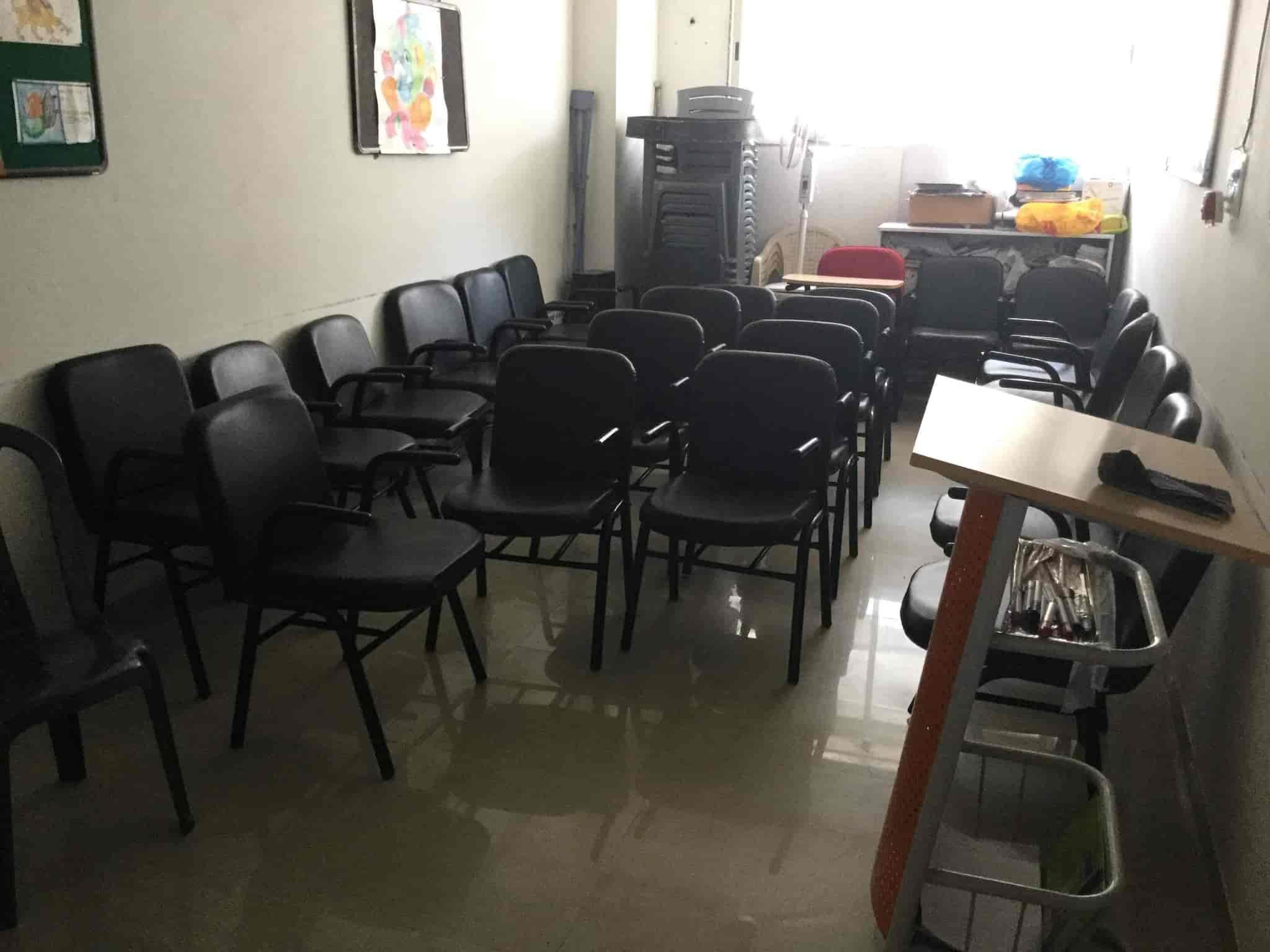 Udayan Netizen English Clinic Photos, Adajan Dn, Surat