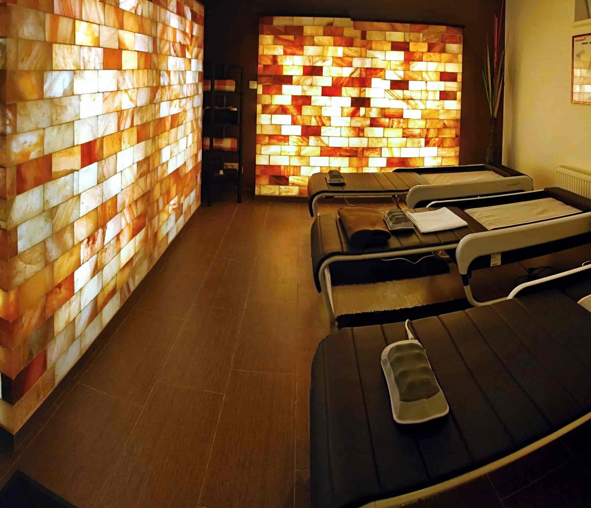 Ceragem Therapy Centre - Chiropractic Doctors - Book