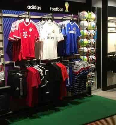 9d5fd97e6f7b ... Adidas Store Photos