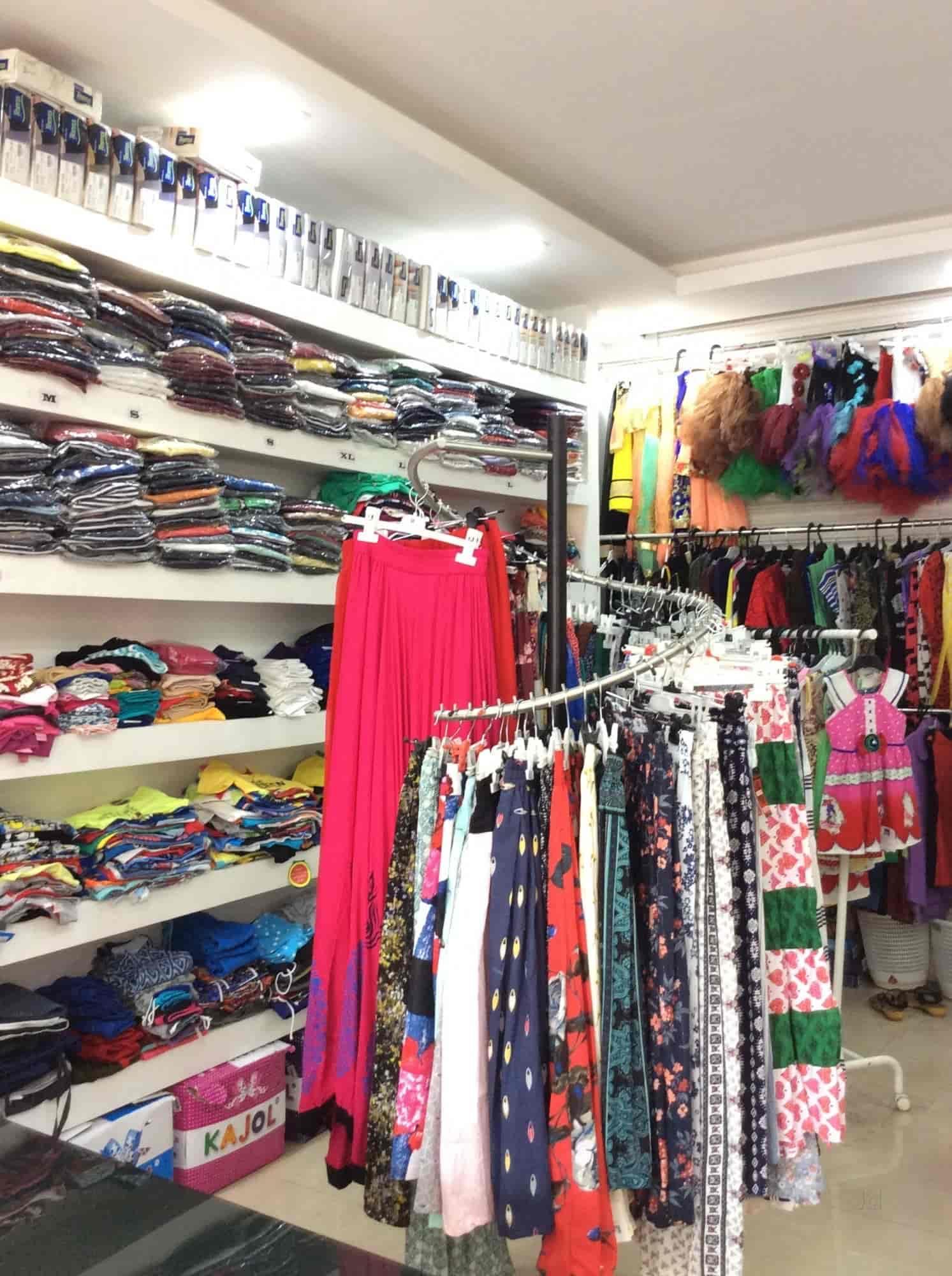 ... Inside View Of Garments Shop   Bangalore Fashion House Photos,  Punkunnu, Thrissur   Saree ...