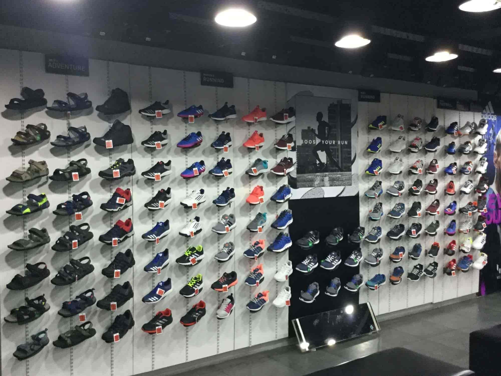 Adidas esclusivo negozio di articoli sportivi, i commercianti, thillai nagar