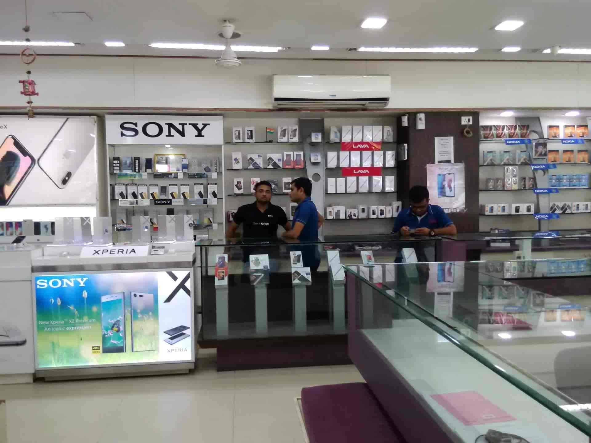 ... Inside View of Mobile Phone   Accessory Shop - Jasmin Mobile Shop  Photos ad08819f2e514