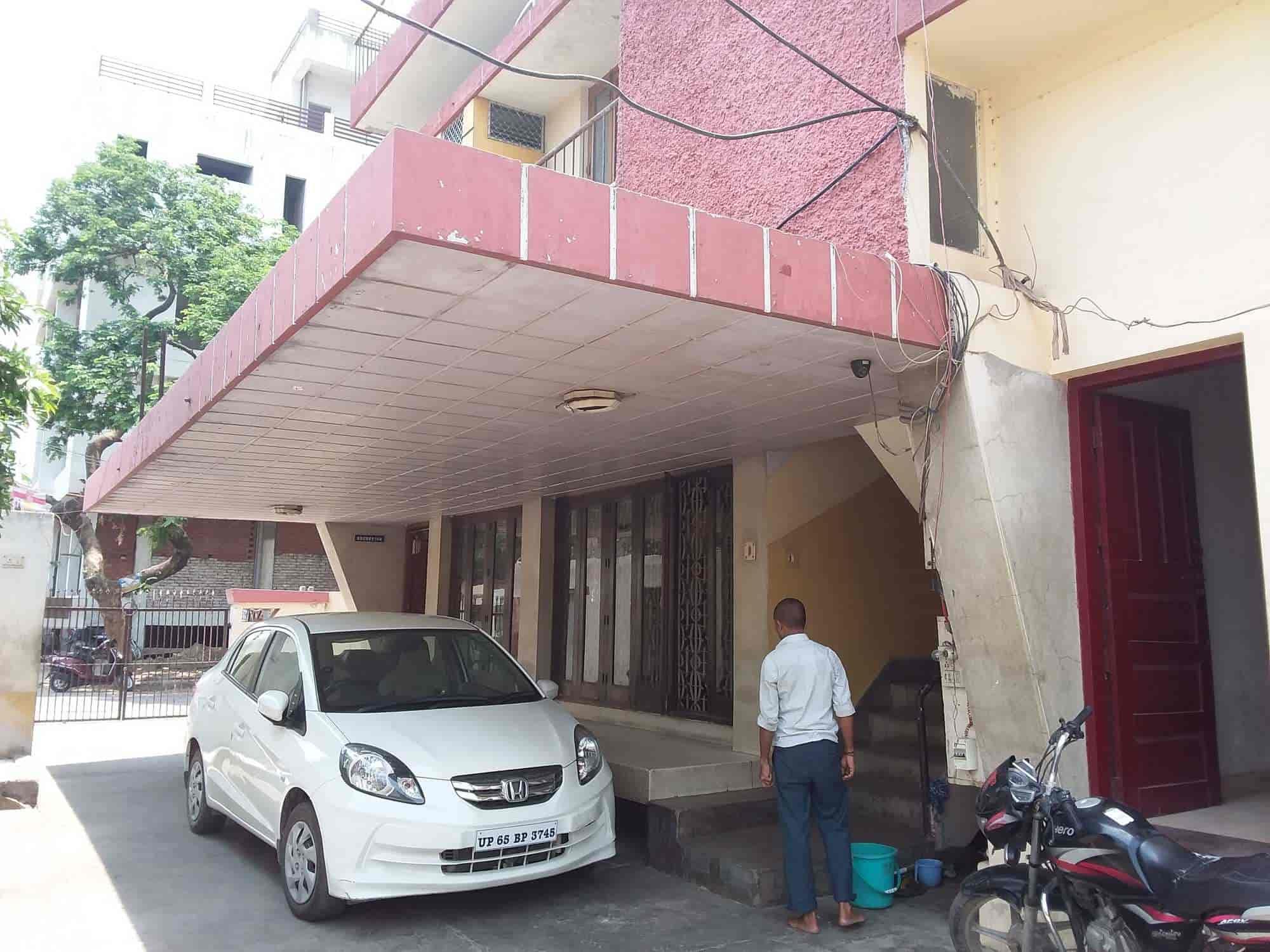Hotel Chandra Sigra Road Chander Hotel Hotels In Varanasi