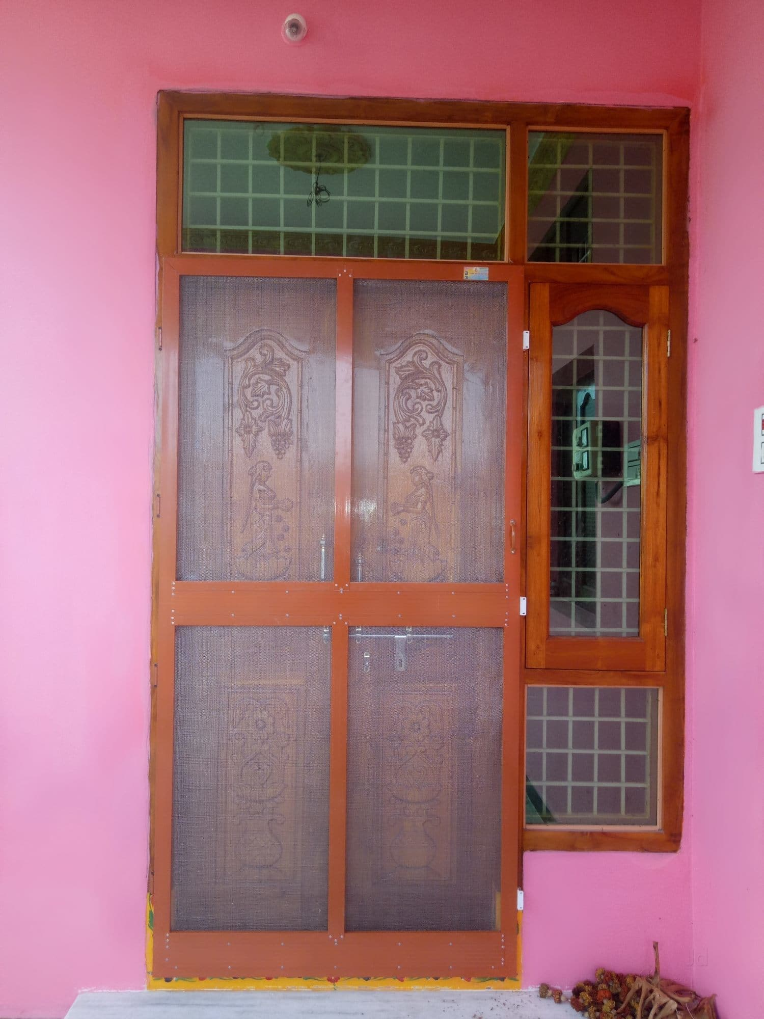 Wood Tv 8 Mosquito Mosquito Doors ...