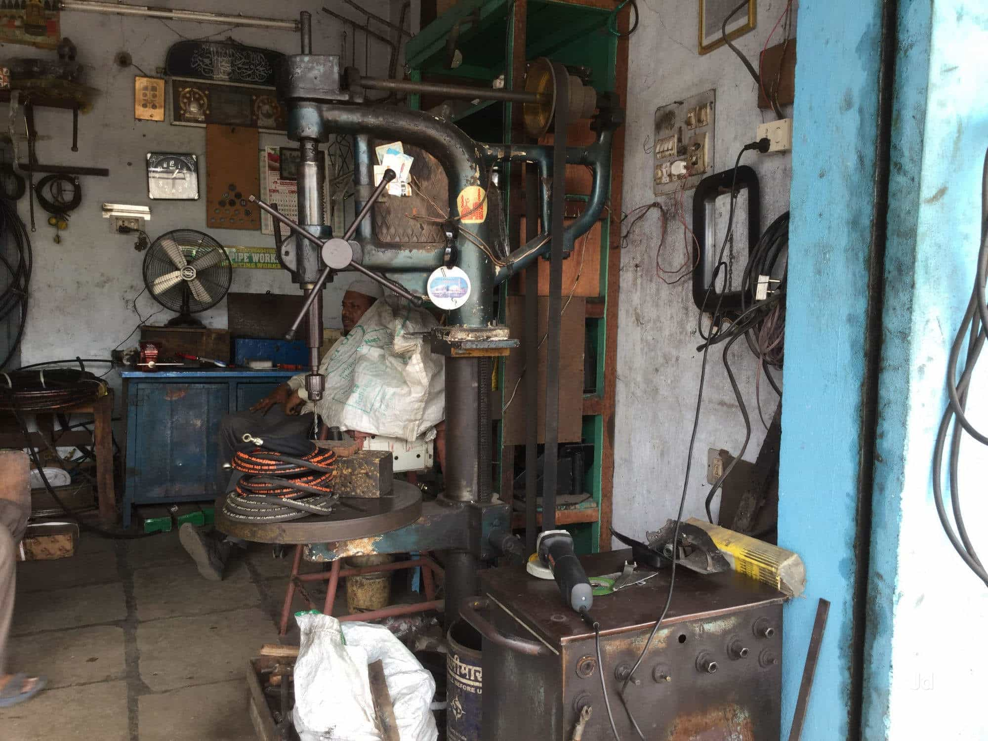 Mohammad Javeed Hydraulics Auto Nagar Mohamad And Electricity Hydraulic Elevator Repair Services In Warangal Justdial