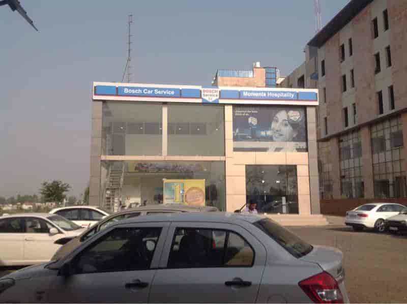 Mahindra First Choice And Bosch Car Service Derabassi Second Hand