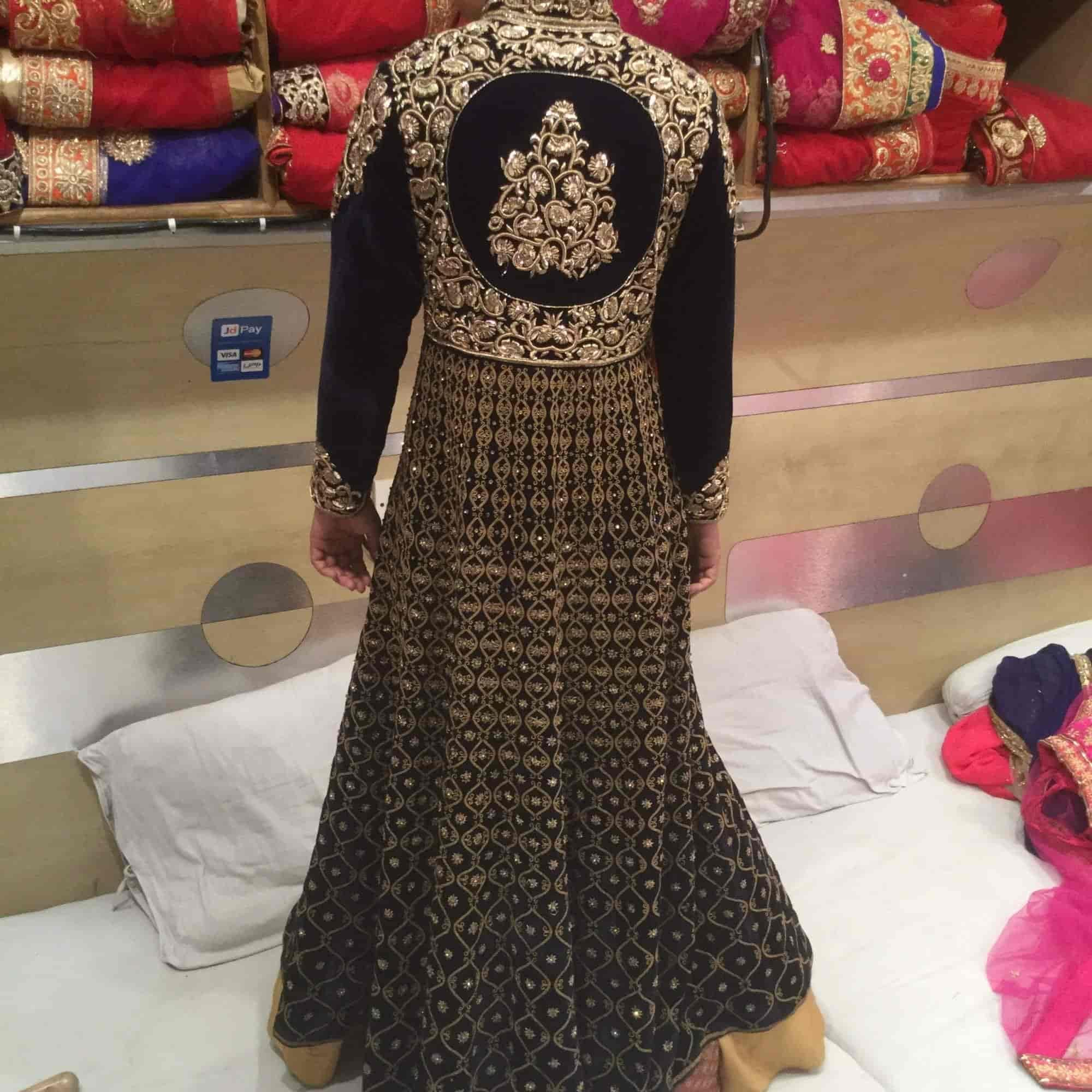 2a9effc389 Kala Niketan designer, Chandni Chowk - Saree Retailers in Delhi - Justdial